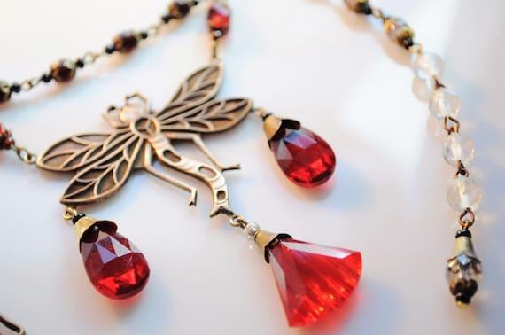 Lovely vintage 1940s Czech Vintage  Art Nouveau Dragonfly red Glass necklace