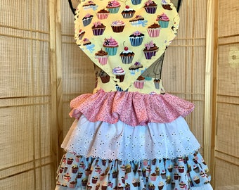 Ruffled apron , full apron, sweetheart apron