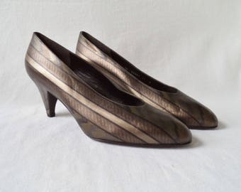 80s Stuart Weitzman metallic striped pumps// Silver pewter bronze copper pointed toe holiday cocktail party heels// Size 10 11 USA