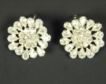 B David Ohio 1950s 1960s Silver Rhodium Crystals Rhinestones Clip on Earrings Original Box Flowers Snowflakes Bridal Wedding Party Holiday
