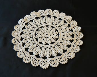The 28 cm diameter table decoration ecru crochet DOILY