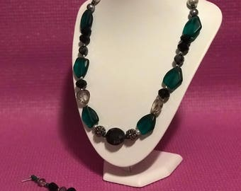 Hand made green chunky necklace and coordinated bracelet
