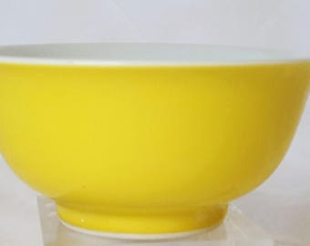 Rare Chinese Qing Dynasty Lemon- Yellow Porcelain Bowl with Base Reign Mark