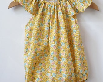 Summer romper with butterfly sleeves for baby