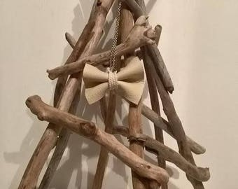 """Teepee"" Driftwood for hanging your favorite jewelry"