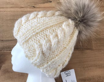 Hat with fur Pompom
