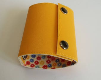 Recycled - Card holder recycled linoleum yellow n 27
