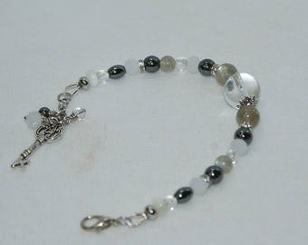 Bracelet rock crystal, labradorite, hematite, Crystal and Pearl