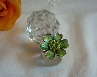 Green enamel and rhinestone flower ring