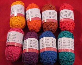 A set of threads 100% cotton 8 candy balls