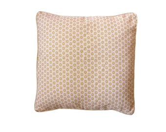 Duo of cushions