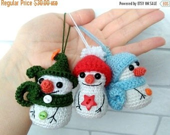 SALE Christmas in july Party favors Crochet Snowmen Christmas tree ornaments Christmas decorations Holiday home decor Small Christmas gift