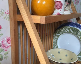 Pine kitchen plate rack