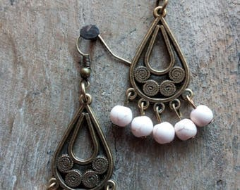 1054 - ethnic style earrings.