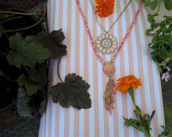 Flower necklace with multi strands