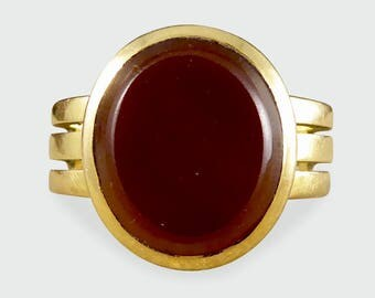 Late Victorian Carnelian Face Signet Ring in 18ct Gold RG467