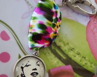 Keychain clasp Marylin glass cabochon and large colorful mottled bead bag charm