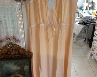 Vintage ,1940's Nightgown, Peach Rayon with Lace and MOP Buttons, Cap Sleeve, Size L, Exc.!