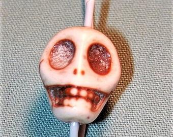 28 Howlite White Skull Beads Destash