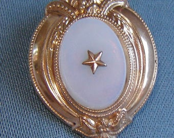 Antique - Biedermeier brooch with jewel - sparkling gold -.