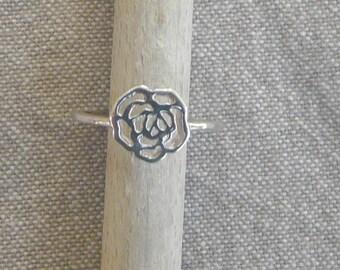 """""""Rose filigree"""" silver ring"""
