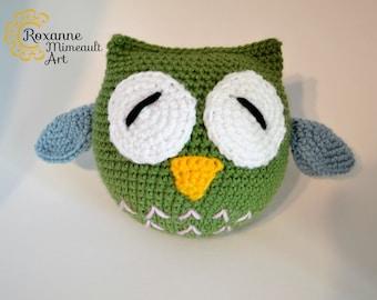 Owl amigurumi crochet toy