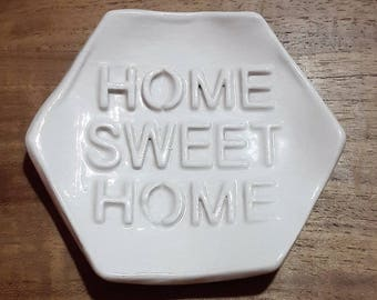 """""""Home sweet home"""" tea bag rests in ceramic, taupe"""