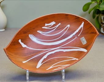 Carstens Tonnieshof: Vintage Fat Lava Era West German Ceramic Leaf-Shaped Dish - 1058 - 1960s