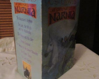 The Chronicles of Narnia Box Set of All Seven Narnia Books - C S Lewis (Paperback)