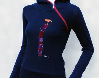 Black shirt with hood and zipper a hand painted African