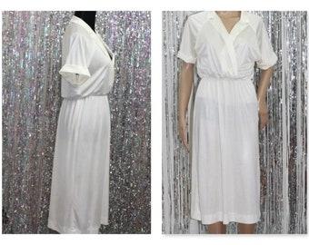 Sears Vintage White Dress V-Neck Dress (S)