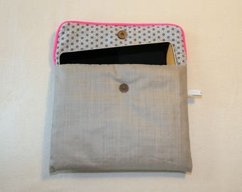 I pad bag practical and trendy