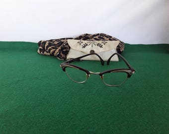 Vintage  Marwitz-Conturette Cat Eye Glasses Comes with the Case