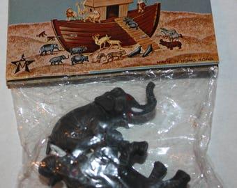 Vintage 1972 ARCO Gas Station Premium Noah's Ark Animal ELEPHANTS Paired Set in Original Package