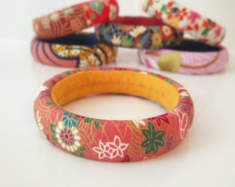 1 cuff bracelet in pink Japanese fabric and flowers