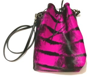 "Bag ""NinieCousette mini"" version hair Fuchsia and black leather"
