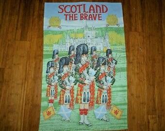 """Vintage 1970s Glen Appin """"Scotland The Brave"""" 100% Cotton Tea Towel / Bag Pipes / Castle / Kitchen Cloth"""