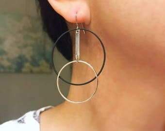 Black and silver pendulum earrings