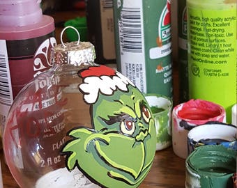 Grinch Ornament Set (8)