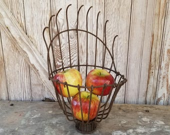Vintage Wire Apple Picker Basket ~ Industrial Lighting ~ Primitive Apple Picker ~ Farmhouse Decor ~ Wire Basket