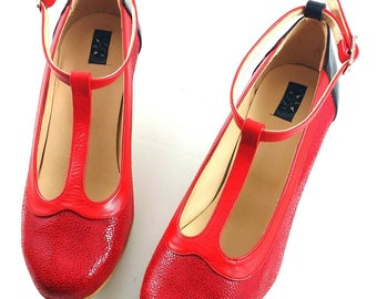 Red pumps leather shoes, two tones shoes, T-strap shoes, Square heel, 50's Rockabilly women shoes, red and yellow shoes, comfortable heel