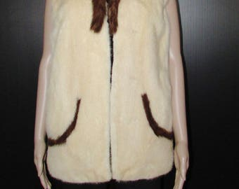 Jolie veste de fourrure de vison blanc cassé et brun foncé/vintage  beautiful off white mink fur vest/dark brown trim  size medium