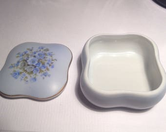 Blue hues floral keepsake porcellian box vintage dressing table keepsake