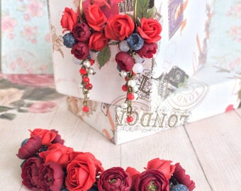 Set with handmade flowers,Red rose,Set with roses made of polymer clay,long earrings,Bracelet with roses,Handmade jewelry set,flower jewelry