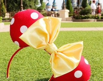 Classic Minnie in red