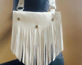 White cowgirl fringe bag