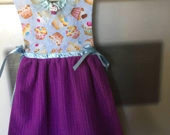 Kitchen towel, hanging towel dress, hanging kitchen towel, kitchen decor, Cupcakes towel dress