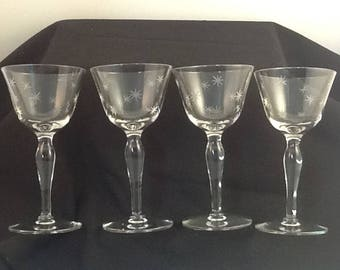 Champagne/Cocktail Glasses Set of 4 With Gray Cut 8 Point Stars