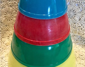 Vintage Pyrex Primary Colors Mixing Bowl Set of four (4)