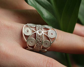 """""""Stained glass Encercle"""" filigree ring"""